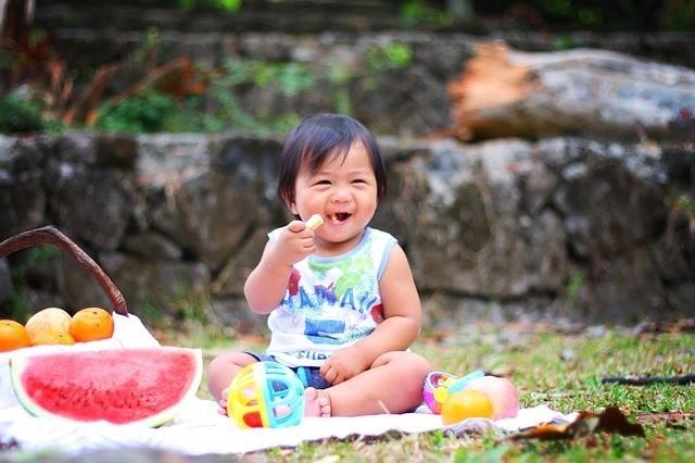Wszyscy wiemy, że dziecko nie powinno jeść zbyt wielu...