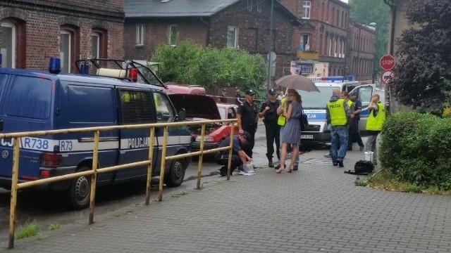 Pirat drogowy zatrzymany. Staranował kilka samochodów w trakcie ucieczki przed policją