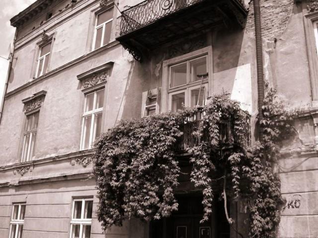 Jedna z kamienic na terenie byłego getta, w którym mieszkał Romek.