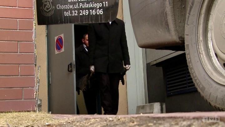 Czerwionka-Leszczyny. Ciało 22-latki leżało przy grobie kochanka (wideo)