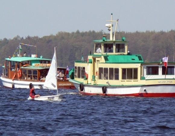 Dwa statki spacerowe Bayern i Księżna Jadwiga, rozpoczęły sezon nawigacyjny na jeziorze Trzesiecko. W weekendy na ich pokład trudno włożyć szpilkę.