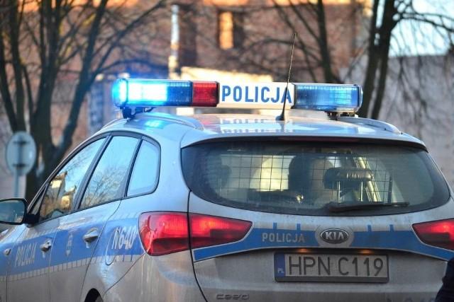 Policyjni pirotechnicy natychmiast pojechali do wskazanych placówek handlowych we Wrzeszczu i w Brzeźnie