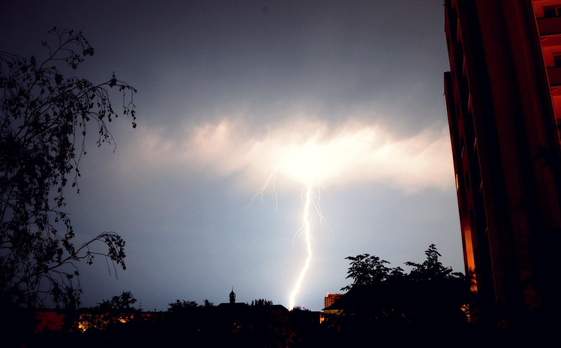 Gdzie jest burza? Radar burz online [7.06.2020, niedziela] Ostrzeżenia pogodowe IMGW. Radar opadów LIVE | Express Bydgoski