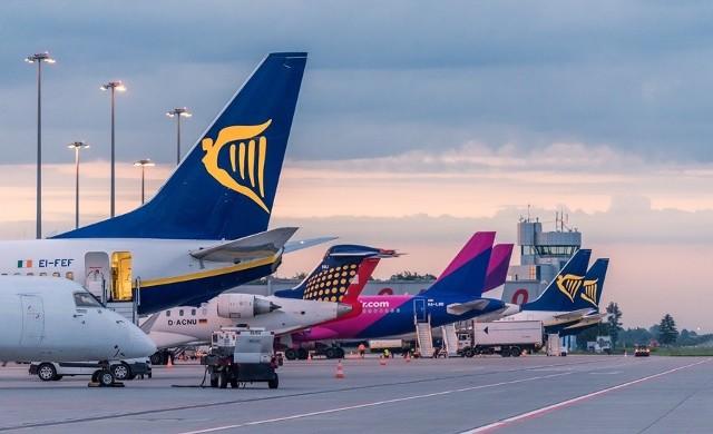W nowym sezonie na pasażerów korzystających z wrocławskiego lotniska czeka pięć nowości. Dokąd polecimy już wkrótce z Wrocławia? Sprawdźcie.Przejdź dalej posługując się klawiszami strzałek, myszką lub gestami.