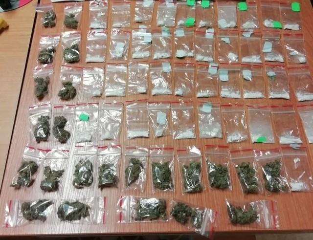 Zatrzymany 18-latek posiadał w mieszkaniu 60 gramów narkotyków