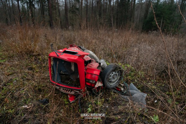 Knyszyn. Wypadek śmiertelny zablokował DK65. Zginęły dwie osoby. Skoda wymusiła pierwszeństwo na BMW