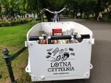 Kraków. Lotna Czytelnia znów pojawi się na Plantach. Każdy będzie mógł wypożyczyć książkę i poczytać na świeżym powietrzu