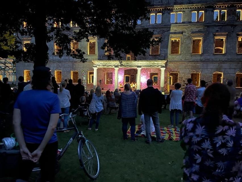 Kilkaset osób wysłuchało koncertu Erlendis Quartet w...