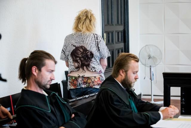 Oskarżona właścicielka hodowli z Dobrcza w sadzie winę wzięła na siebie. Adwokaci chcą jej uniewinnienia.