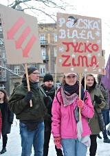 Kraków. Marsz przeciwko faszyzmowi wsparty przez opozycję [ZDJĘCIA]