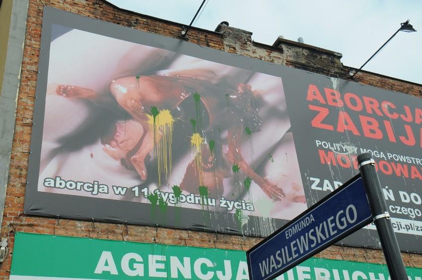 Plakat Aborcyjny Zniknie Ale Nie Dzięki Urzędnikom Gazeta