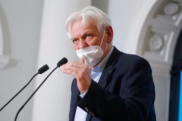 Prof. Andrzej Horban: Jesteśmy u końca naszych kłopotów z pandemią
