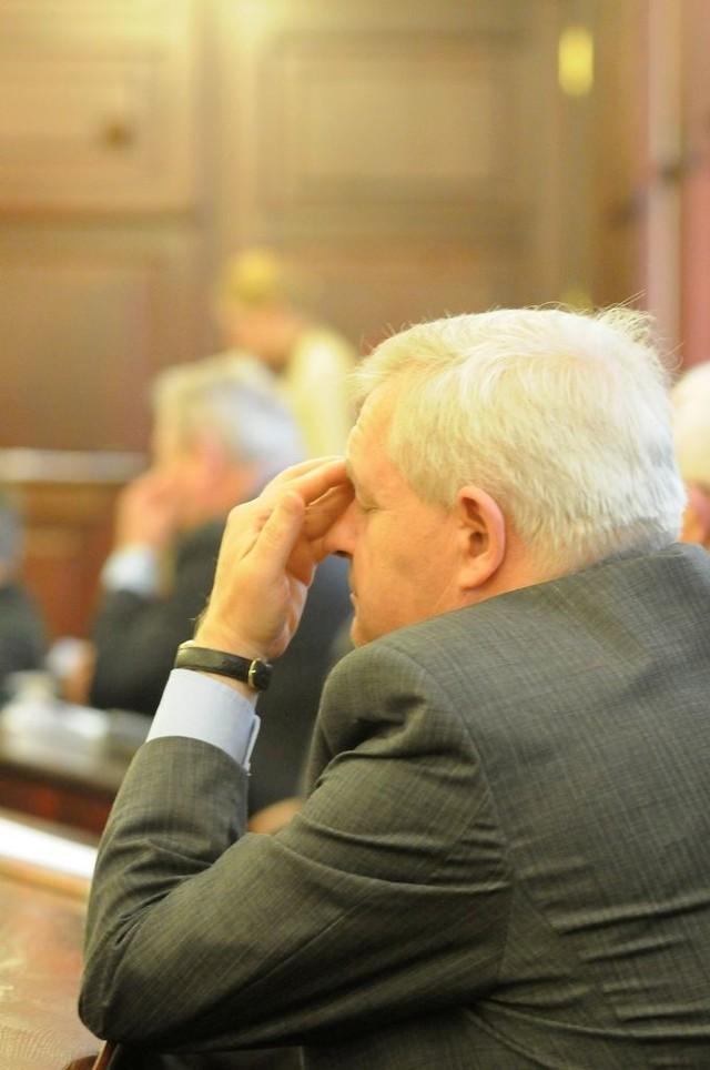 Prezydent Jędrzejczak słucha zeznań świadka
