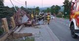 W Siedliskach samochód wypadł z drogi i dachował. Jedna osoba poszkodowana! [ZDJĘCIA]