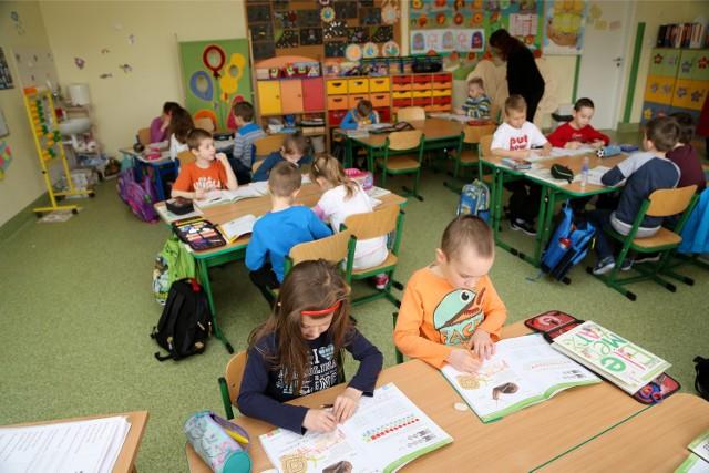 We wrześniu do pierwszej klasy pójdą dzieci sześcioletnie i część siedmioletnich