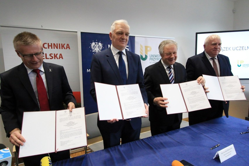 Rektorzy trzech lubelskich uczelni w towarzystwie ministra Jarosława Gowina