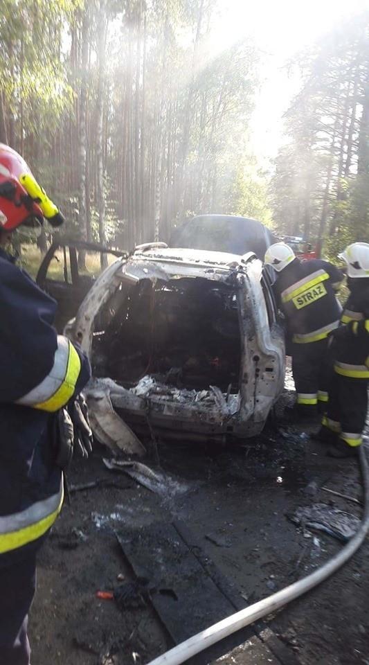 Na odcinku drogi Koczała - Grabowo palił się samochód