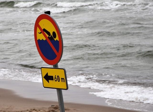 Dwoje nastolatków topiło się w Bałtyku w Darłówku Zachodnim w piątek, 30.07.2021 r.