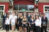 Prezydent Tyszkiewicz wręczył nagrody najzdolniejszym gimnazjalistom (zdjęcia)