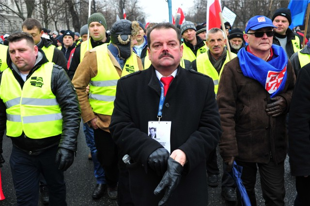 Sławomir Izdebski, lider OPZZ RiOR podczas protestów w 2015 r.