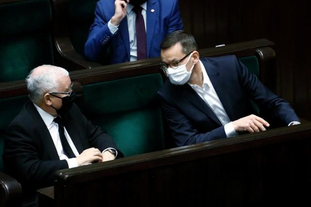 """Jarosław Kaczyński mówi o swoim możliwym następcy. """"Na horyzoncie jasno świeci gwiazda premiera Morawieckiego"""""""
