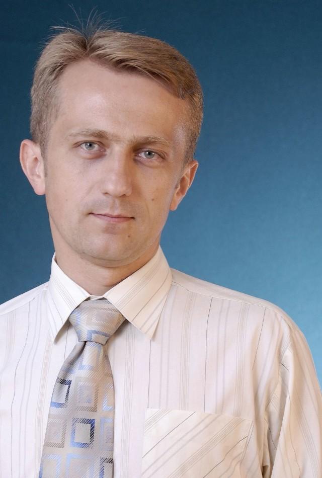 Paweł Szkalej, rzecznik oddziału Zakładu Ubezpieczeń Społecznych w Kielcach: - Poszkodowany, któremu w powodzi zniszczyły się dokumenty i dane do rozliczania składek na ubezpieczenia, może ubiegać się o wydanie ich kopii