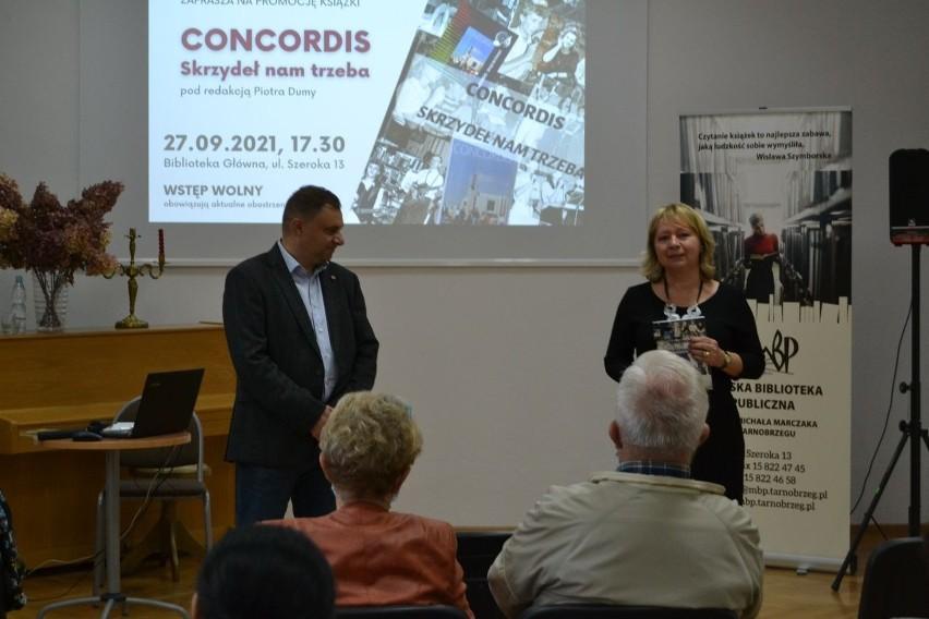 """""""Concordis. Skrzydeł nam trzeba"""" - spisana historia niezwykłego zespołu muzycznego z Tarnobrzega (ZDJĘCIA)"""