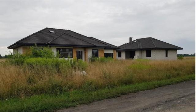 Nowe domy w Łubiance pod Toruniem komornik licytować będzie w sierpniu od poziomu 2/3 ich wartości. Podobnych okazji na licytacjach komorniczych będzie w Kujawsko-Pomorskiem więcej. Oto szczegóły.WIĘCEJ NA KOLEJNYCH STRONACH>>>