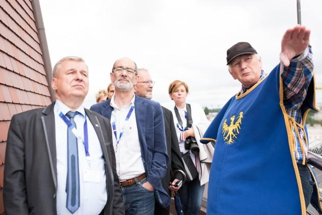 Konwent przewodniczących rad miast wojewódzkich. Szefowie rad zwiedzili m.in. Wieżę Piastowską w Opolu.
