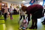 Dzieci noszą za ciężkie tornistry. W szkołach trwa ważenie. Sanepid apeluje do rodziców