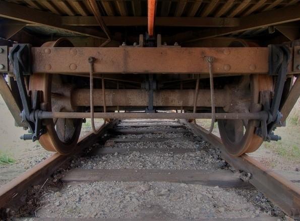 17-letni uczeń zginął  pod kołami pociągu w Skorzewie