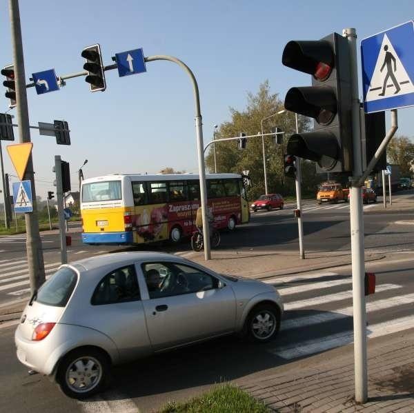 Zielone strzałki z pewnością usprawnią ruch na skrzyżowaniu ul. Budowlanych z Obwodnicą Północną w Opolu.