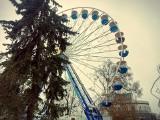 Wielkie koło młyńskie na placu Teatralnym w Bydgoszczy już stoi [godziny otwarcia, cennik biletów]