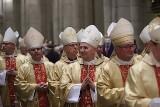 Biskup zakażony koronawirusem. W Łodzi był na zebraniu KEP! Zakażony biskup to Wiktor Skworc ze Śląska wraz z innymi był w łódzkiej katedrze
