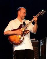 John Scofield  - geniusz gitary wystąpi w OiFP