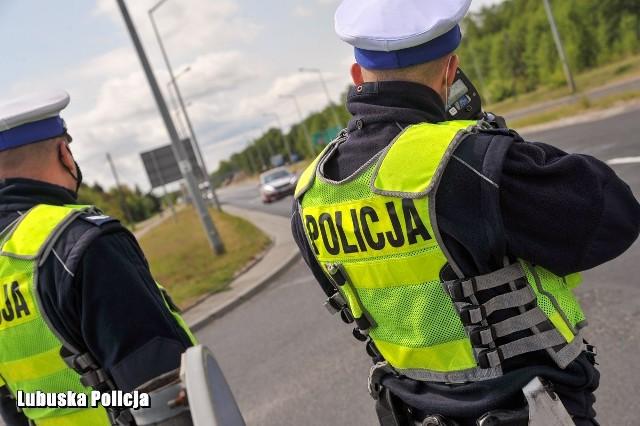 Kierowca naruszył wiele wykroczeń drogowych. Teraz stanie przed sądem i może trafić do aresztu.