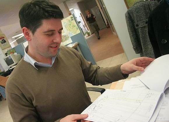 """Mariusz Gromko z PiS (na zdjęciu), przewodniczący rady miasta, wystąpił jednak o to, by na BIP zamieścić zakładkę """"archiwum"""", gdzie można będzie zobaczyć interpelacje z poprzedniej kadencji."""