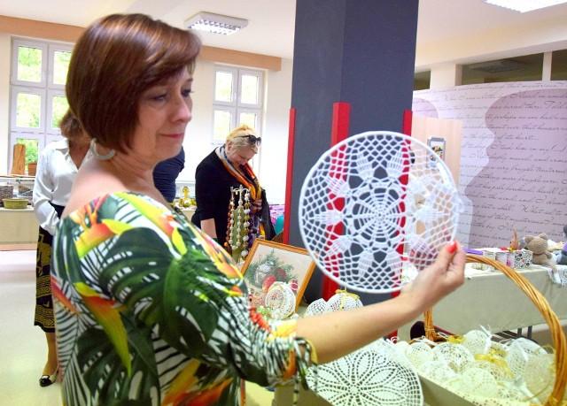 Wystawa prac podczas I Festiwalu Rękodzieła i Rzemiosła w Tarnobrzegu w 2019 roku.