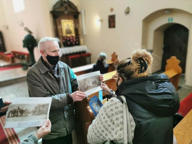 O kulcie cudownego Pana Jezusa, kalwarii i karmelitach opowiedział gościom z Bydgoszczy dr Alojzy Szudrowicz