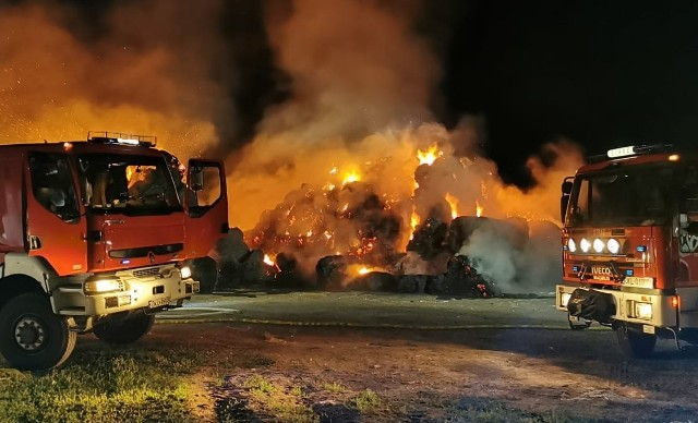 Pożar na polu w Krzywiźnie