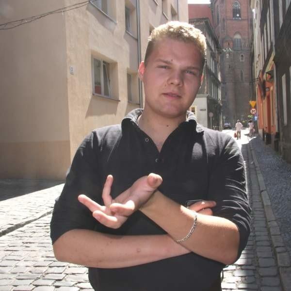 - Trudno przejść w nocy uliczką w centrum, żeby nie zostać zaczepionym przez pijaczków - mówi Wojciech Telecki.