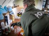 Zawieszony działacz PSL usłyszał zarzuty w sprawie produktu leczniczego mającego zapobiegać zakażeniu oraz zwalczającego wirusa SARS-CoV-2