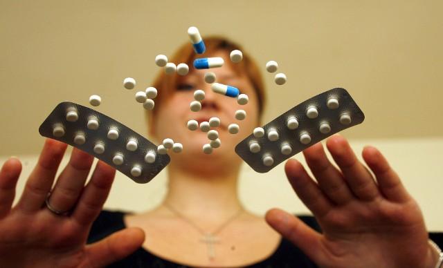 Najwyższa Izba Kontroli znalazła suplementy diety, które zawierały bakterie chorobotwórcze, czy substancje zakazane z listy psychoaktywnych! Zobacz, które suplementy diety są szkodliwe dla zdrowia