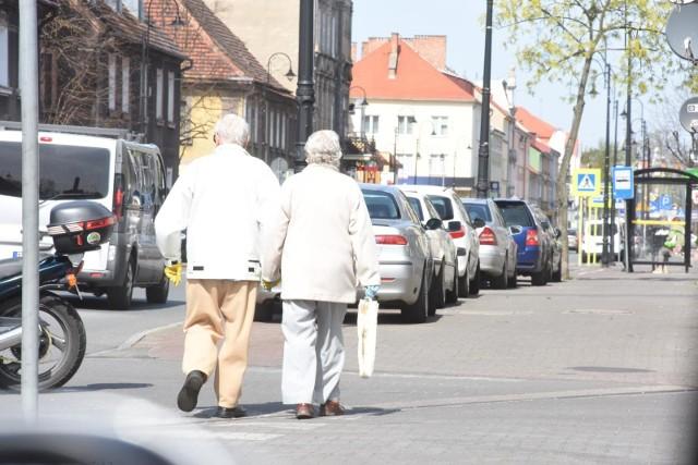 Wśród seniorów, podobnie, jak w przypadku pozostałych grup wiekowych, najczęstszym powodem zadłużenia jest brak terminowej spłaty rat kredytów bankowych.