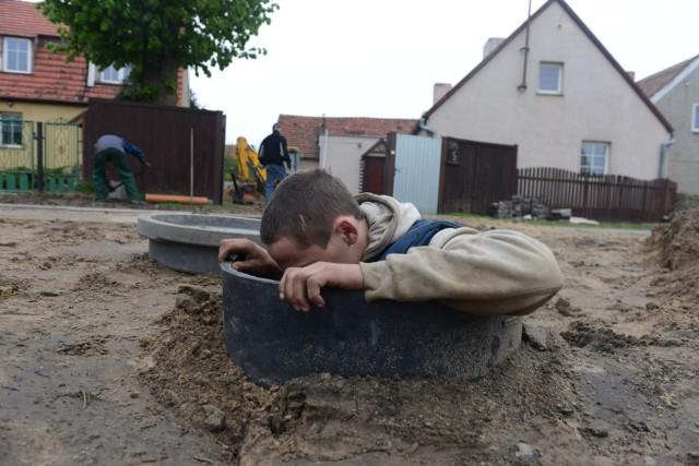 Dotacje na inwestycje związane m.in. z sieciami wod-kan otrzymało 42 gminy z Łódzkiego.