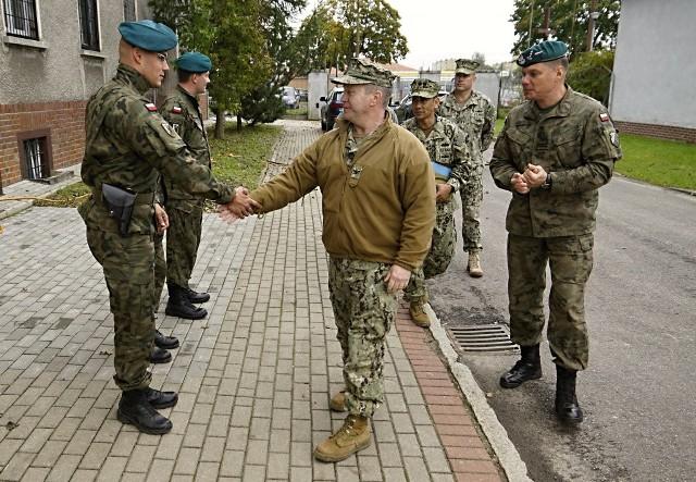 Polski dowódca batalionu oraz amerykański dowódca Navy Support Facility (NSF) podpisali we wtorek dokumenty określające procedury wzajemnego funkcjonowania przez obie strony w Redzikowie.