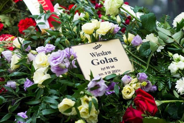Warszawa, Stare Powązki - grób Wiesława Gołasa