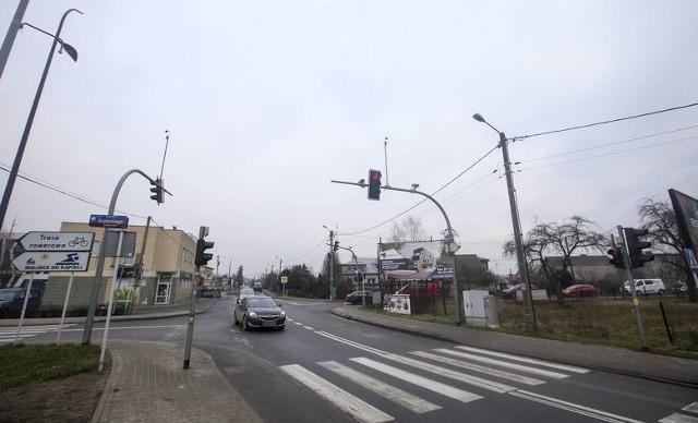 Ulica Kwiatkowskiego jest wąska i w godzinach szczytu coraz częściej tworzą się tu korki.