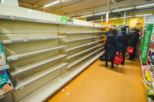 Ministerstwo uspokaja: sklepy działają i będą działać normalnie!