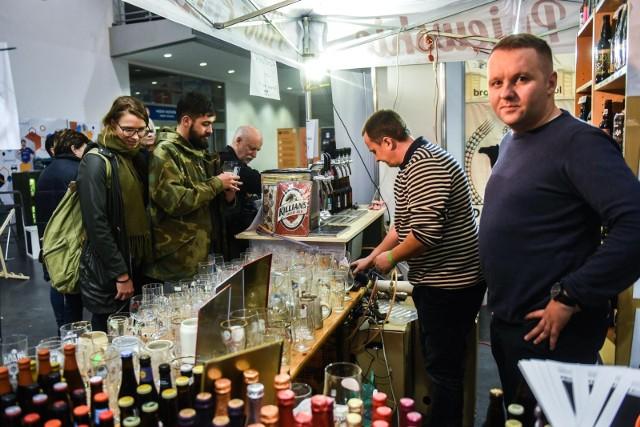 Już po raz ósmy na Międzynarodowych Targach Poznańskich odbędzie się wydarzenie dedykowane koneserom piw rzemieślniczych. Targom towarzyszyć będzie impreza Street Food Spot, a także akcja Movember, gdzie skorzystać będzie można z porad lekarza.
